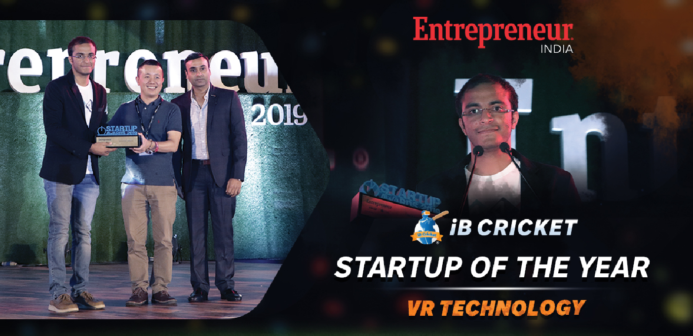 iB Cricket receiving Startup of the year -VR technology